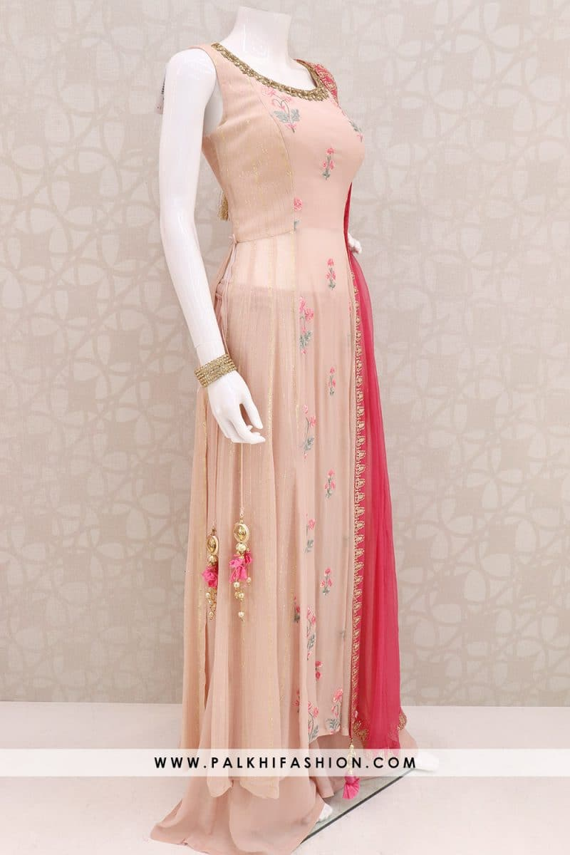 light peach pure georgette palazzo suit from palkhi fashion.resham embroidery,thread,petite stone & kundan work.palazzo pants & pink chiffon dupatta